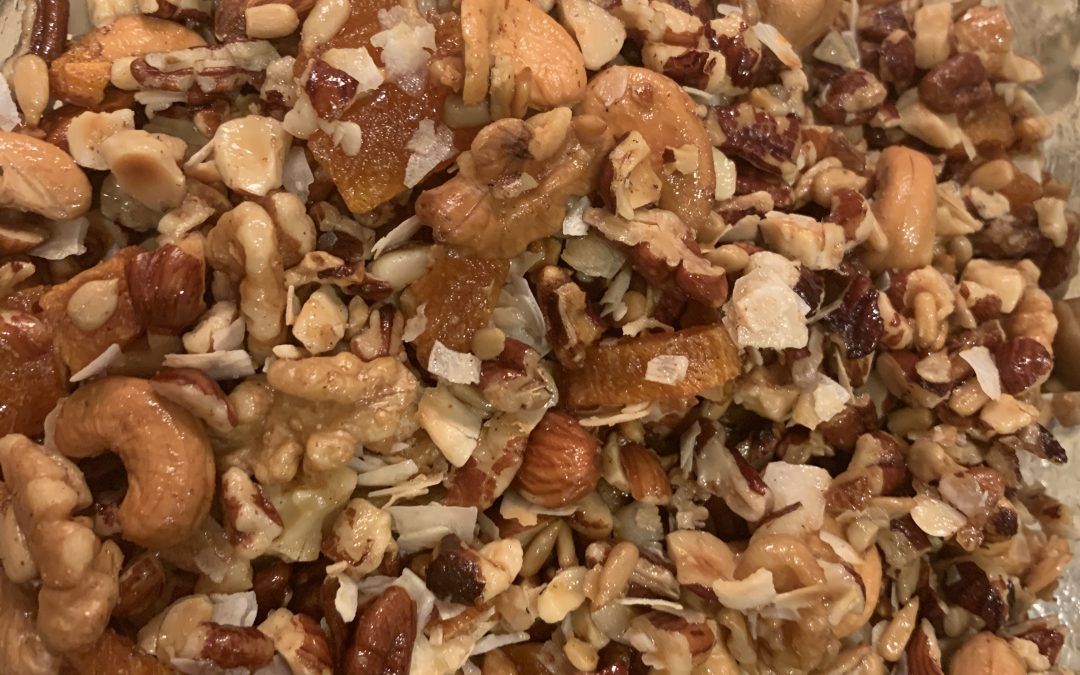 Super easy homemade granola recipe.
